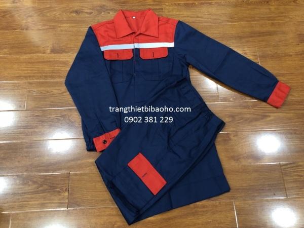 KHUYẾN MÃI - Bộ quần áo bảo hộ vải kaki màu xanh đen phối đỏ quần túi hộp DN14 - hình thật