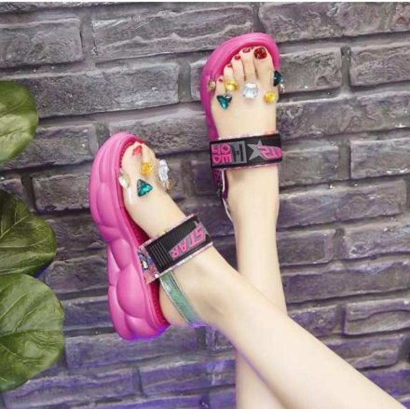 Giày sandal ulzzang màu hồng quai trong đính đá giá rẻ