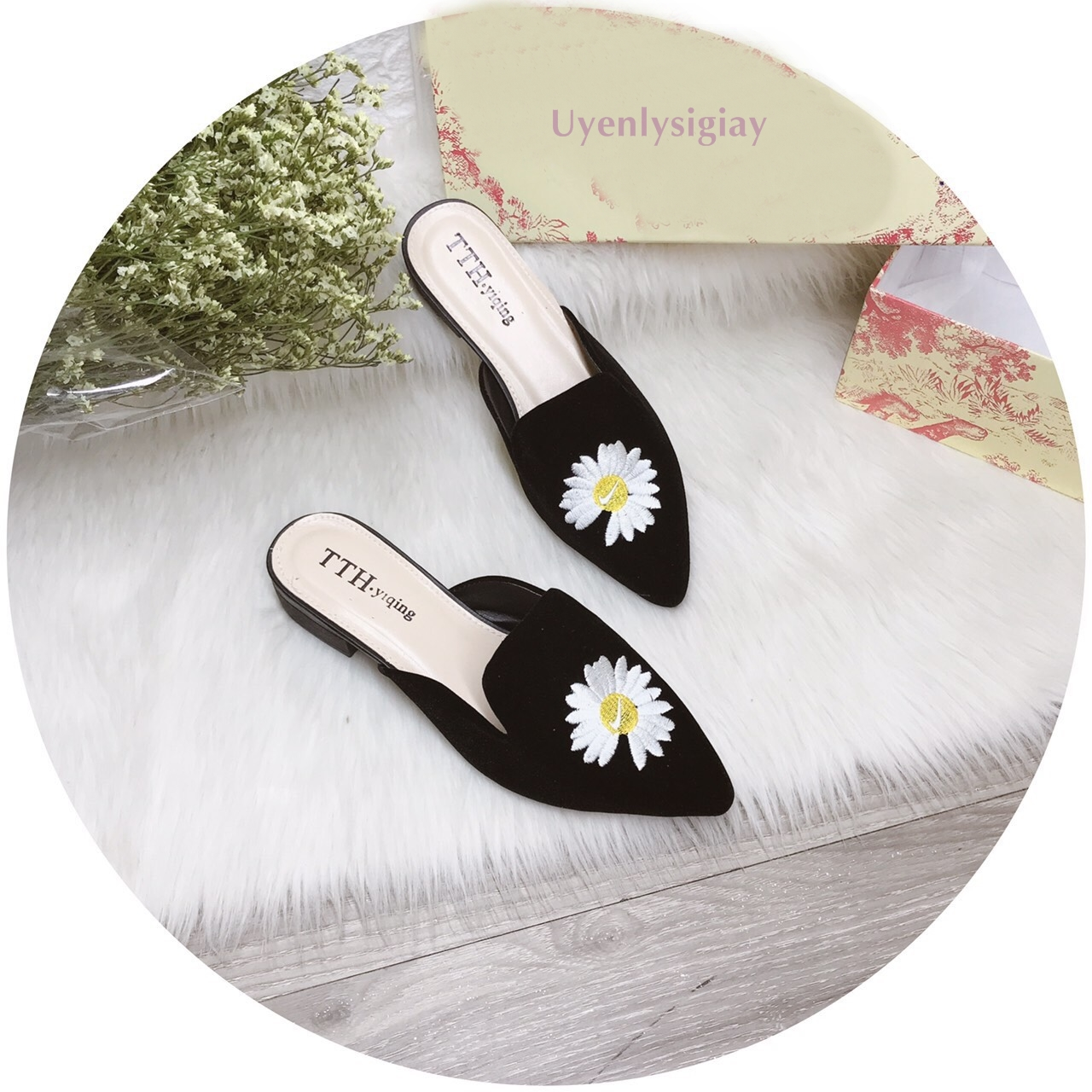 Giày sục nữ mũi nhọn thêu hoa đế vuông 2 phân lên chân rất xinh