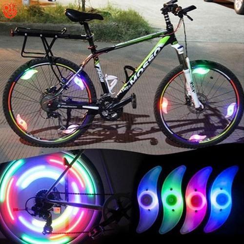Đèn led gắn bánh xe đạp HìNH CÁNH QUẠT 3 chế độ sáng chống nước - Mẫu Mới 2019