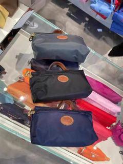 Original authentic products Longchamp 3700 Women s portable storage bag cosmetic bag waterproof bag thumbnail