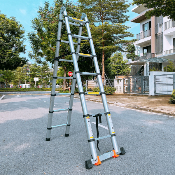 Thang nhôm rút đôi cao cấp có đế chống trơn MOMEN 220cm+220cm
