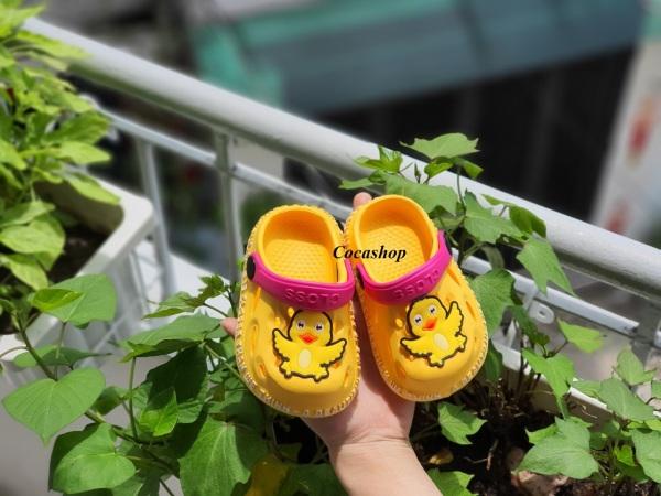 Giá bán Dép sục, sục có quai hậu cho bé trai bé gái tặng kèm stricker vịt cute nhiều màu siêu nhẹ êm chân