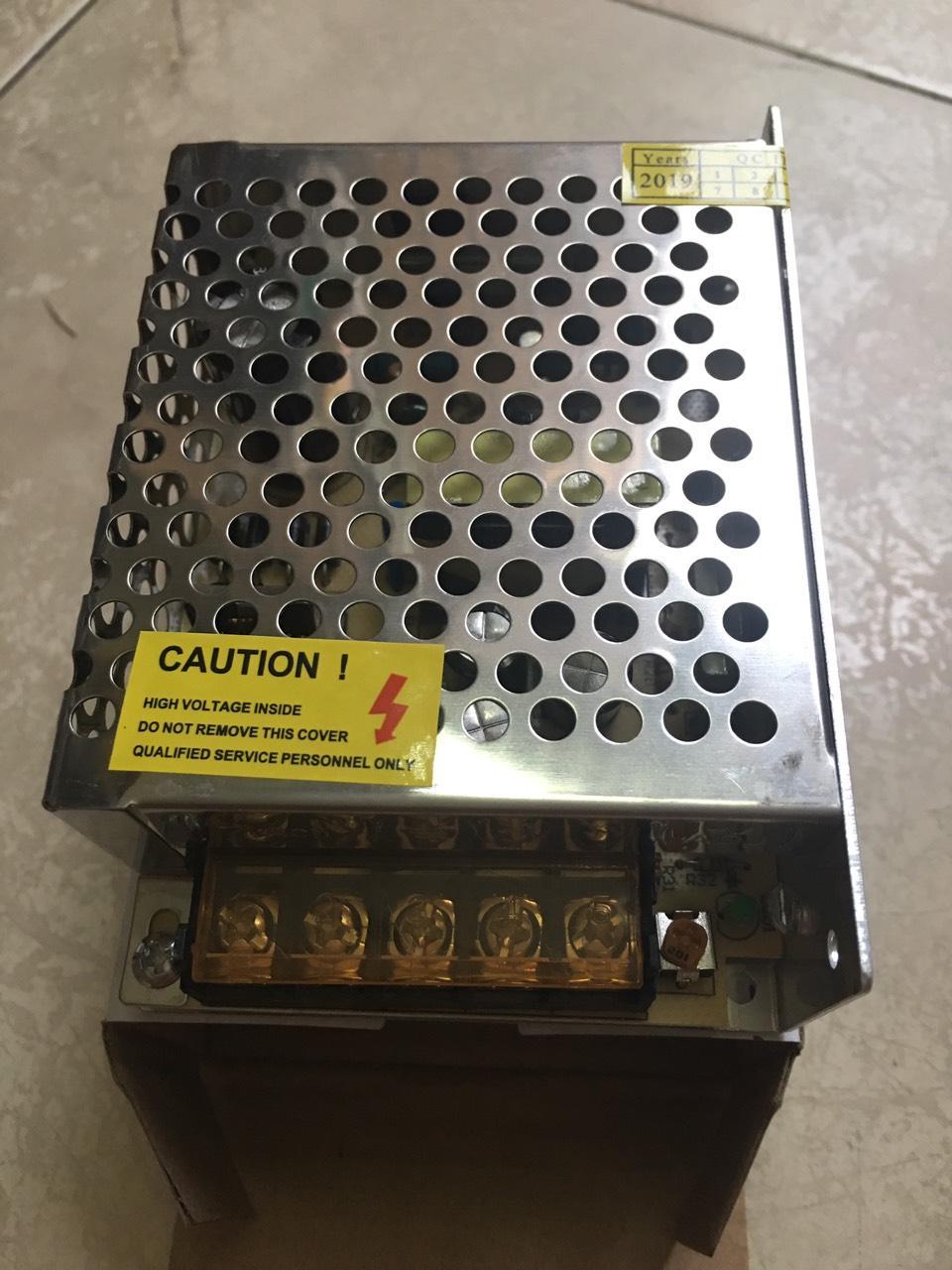 Giá nguồn tổ ong 12V 5A