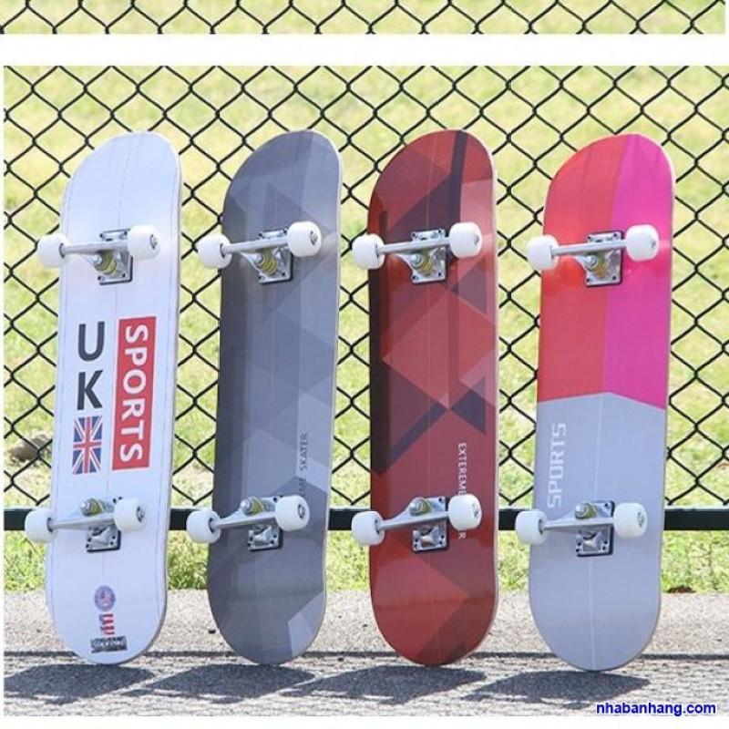 [ XẢ KHO BÁN LỖ ] Ván Trượt Skateboard Chuyên Nghiệp, Ván Trượt Cỡ Lớn Đạt Chuẩn Thi Đấu Bánh Cao Su, Mặt Nhám Chống Trơn Trượt, Ván Trượt Siêu Đẳng, Ván Trượt Hình Siêu Anh Hùng, Ván Gỗ Dày Khung Hợp Kim Chắc Chắn, Bh 12 Tháng .