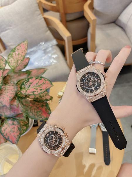 Đồng hồ nữ HBLOT dây thơm dễ chịu , sang trọng , nhẹ nhàng , nữ tính bán chạy