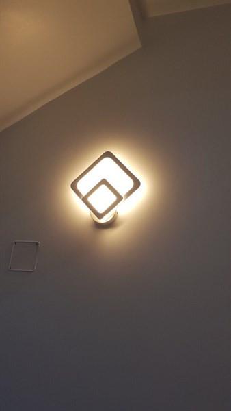 Đèn tường trang trí ánh sáng vàng vuông 1+1