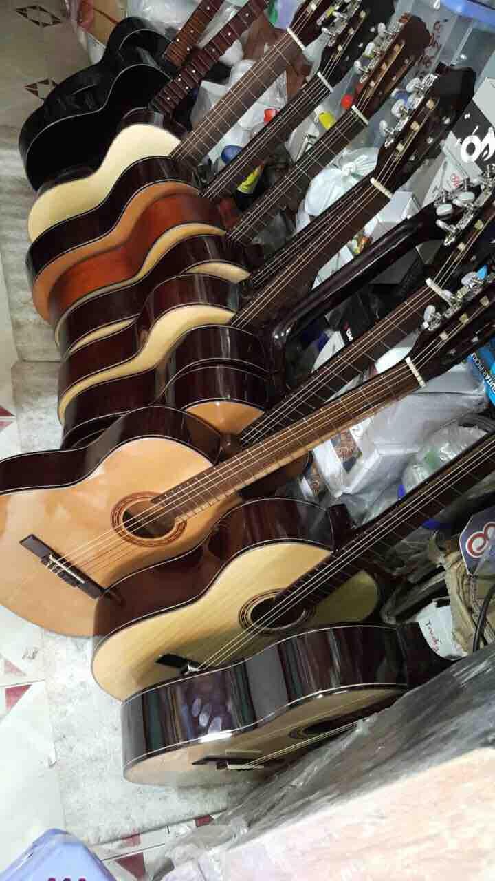 Đàn Guitar Classic có ty
