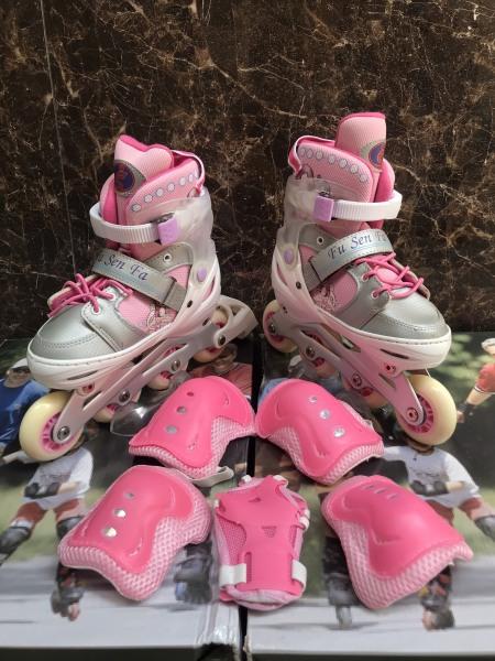 Giá bán Giầy Patin Phát Sáng Cao Cấp - Giầy PaTin Trẻ Em Người Lớn - Model New 2020 Tặng bộ bảo vệ tay chân