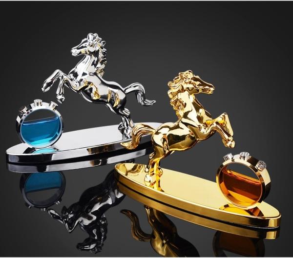 Tượng Phong Thủy Hình Con Ngựa Kèm Lọ Nước Hoa Để Trang Trí Văn Phòng, Để Taplo Ô Tô