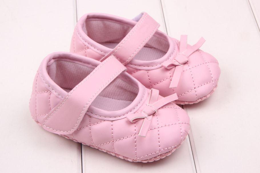 Giày tập đi caro hồng phối nơ cho bé gái