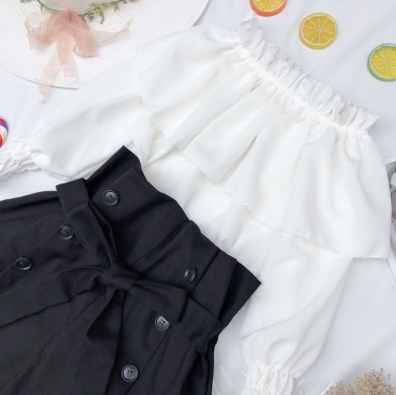 Giảm Giá Khi Mua cho Set áo Voan Bẹt Vai Tay Phồng Phối Quần Short Kaki Mềm Cột Nơ Eo