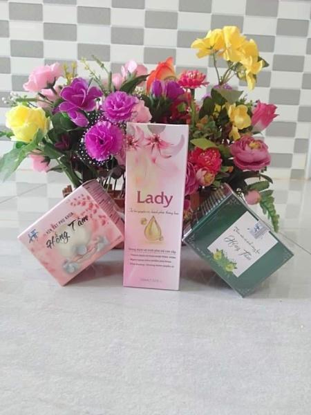 2 IN 1 - Dung dịch vệ sinh phụ nữ cao cấp Lady - Hương nước hoa cao cấp Lancom