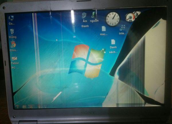 Bảng giá Laptop hư màn cho bạn nào thích giải trí,lướt web. Phong Vũ