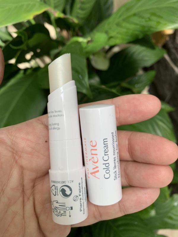 Son dưỡng không màu chống khô môi, nứt nẻ môi Avene Cold Cream Lip Balm 4gr làm mềm môi ngay  sau khi sử dụng