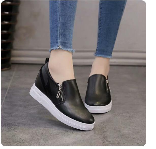 Giày Slip On Nữ đế Cao Thời Trang Phối Quai Khóa Chéo 2 Màu đen Và Trắng Giá Hot Siêu Giảm tại Lazada