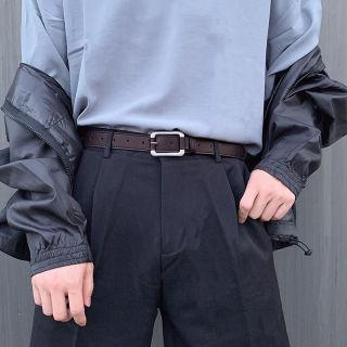Cậu thanh niên mặc váy thời trang trẻ Hàn Quốc thumbnail