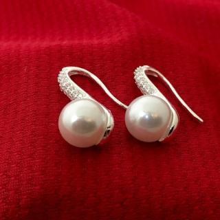 Bông tai nữ ngọc trai nhân tạo màu trắng size10 ly khóa móc đeo sát tai gắn đá cobic sáng trắng ,phong cách sang trọng thích hợp đeo tại các buổi dạ tiệc, làm quà tặng - BS1QTBT26(BẠC) thumbnail