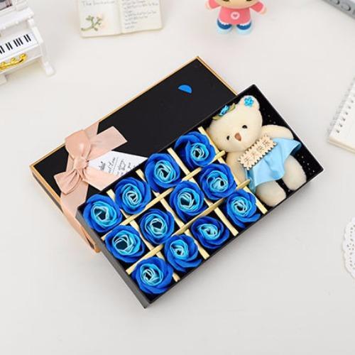 Hộp quà gấu và hoa hồng sáp 12 bông (Màu xanh dương)