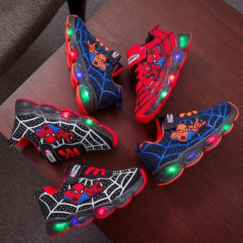 Giày Thể Thao Bé Trai Siêu Nhân Nhện ( Đỏ, Xanh Dương, Đen Trắng) giá rẻ