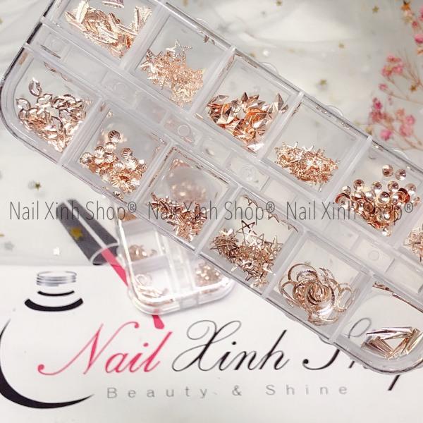 Khay nail 12 ô phụ kiện trang trí móng tay, phụ kiện nail cao cấp( phụ kiện nail kim loại mix ) tốt nhất