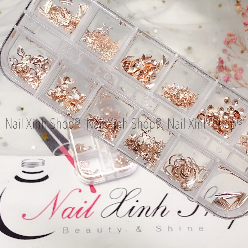 Khay nail 12 ô phụ kiện trang trí móng tay, phụ kiện nail cao cấp( phụ kiện nail kim loại mix )