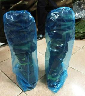 Đôi ủng nylon đi mưa, màu bất kỳ làm sạch giầy dép trong những ngày mưa gió, mưa ngâu, đi chơi xuân không lo ướt bận 2