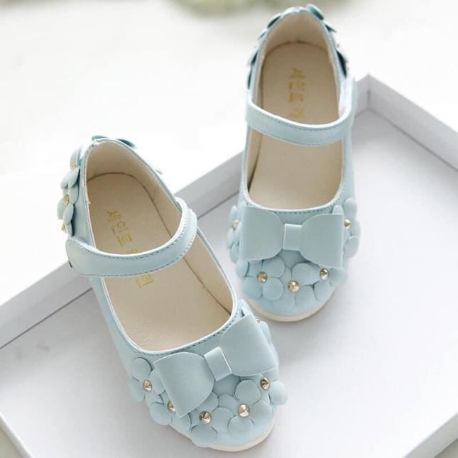 Giày hoa bé gái giá rẻ