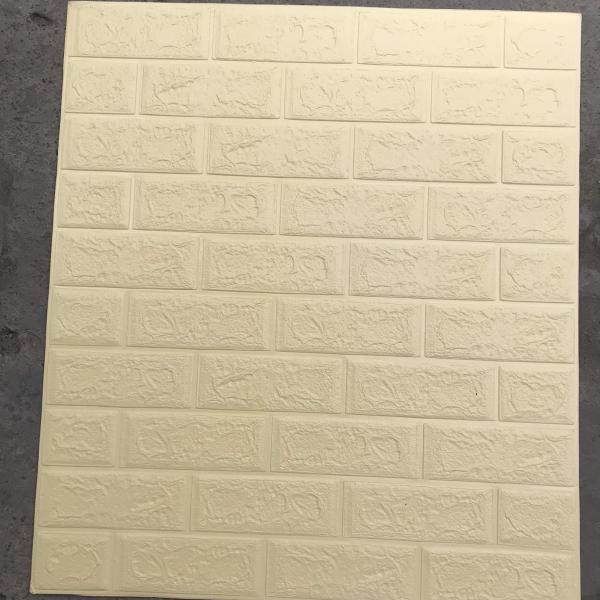 10 Tấm xốp dán tường giả gạch 3D 70x77cm. Chất liệu thân thiện môi trường góc cạnh của xốp mềm mại hơn an toàn cho trẻ em khi được bảo vệ bằng miếng ốp tường.