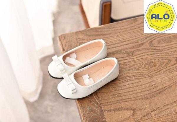 Giá bán Giày búp bê cho bé gái cỡ chân 19,5 cm