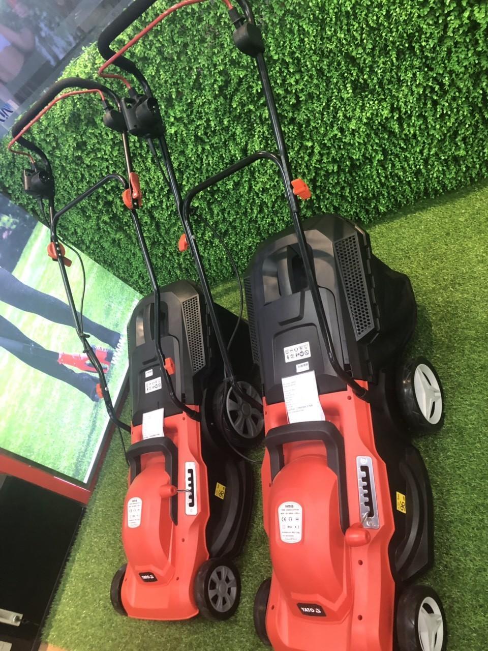 Máy cắt cỏ đẩy tay bằng điện Yato 2000W YT-85208, máy xén cỏ, máy cắt cỏ cho sân gofl, sân vườn