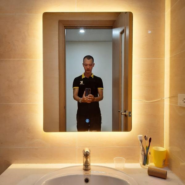 Gương soi phòng tắm chữ nhật kích thước 50x70 có đèn led cảm ứng thông minh - guonghoangkim