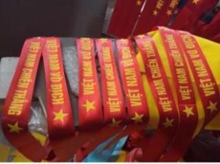 Bộ 2 dải khăn cổ động- băng rôn viêt nam vô địch- chiến thắng thumbnail