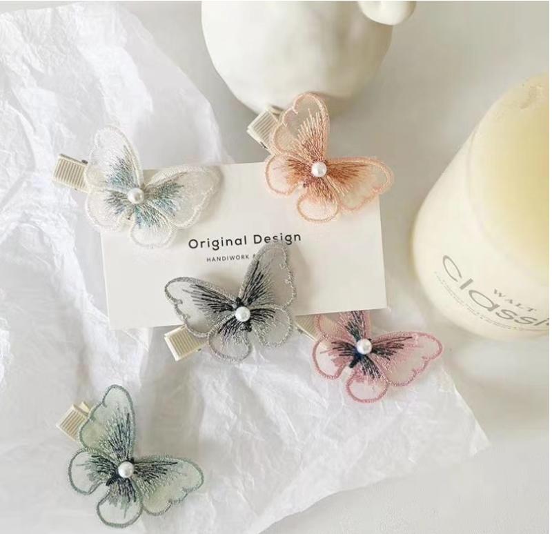 Set dây cột tóc bướm thêu xinh xắn handmade dễ thương cho bé gái, bạn gái phong cách Hàn Quốc/ gồm 1 dây cột tóc và 1 kẹp tóc hình bướm ( giao màu ngẫu nhiên)