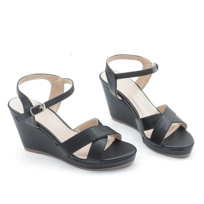Giày Sandal Đế Xuồng 7cm Quai Chéo Màu Đen Pixie P207 giá rẻ