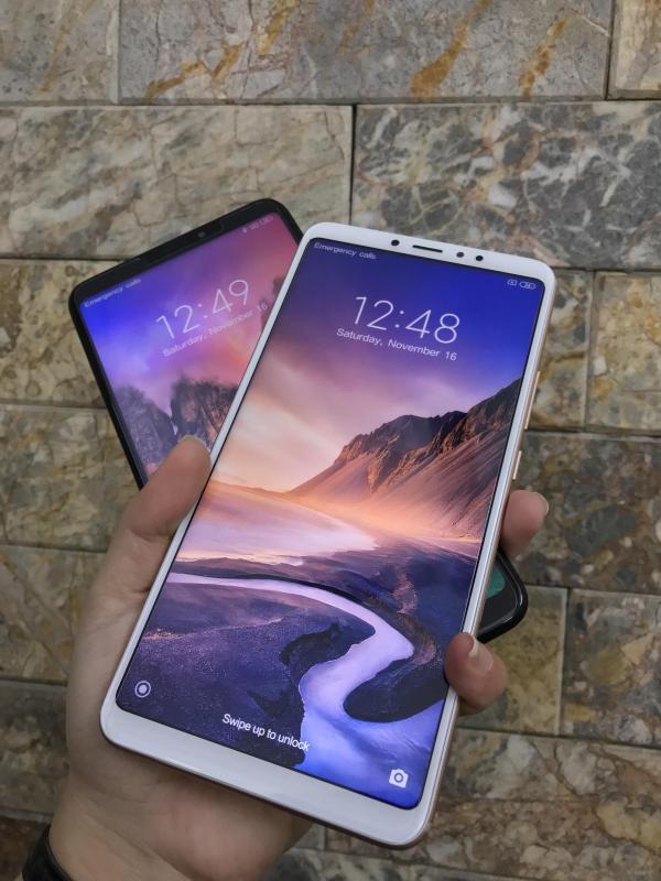 Điện thoại xiaomi mi max 3 nguyên hộp ram 4gb 64gb màn hình khủng 6.9 inch