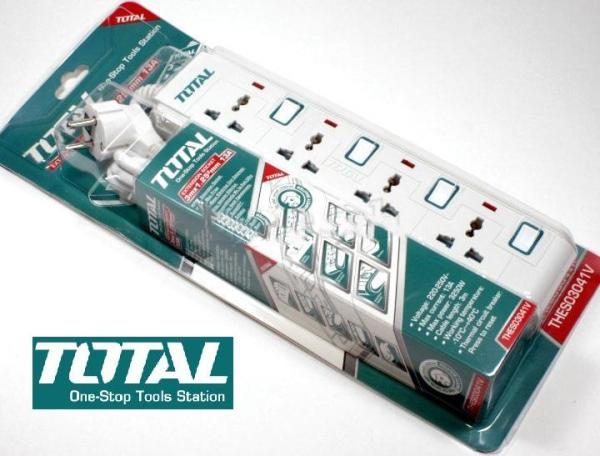 Ổ cấm điện 3 chấu 4 lổ đa năng có đèn báo 3 mét 3250W 250V 13A Total THES03041V