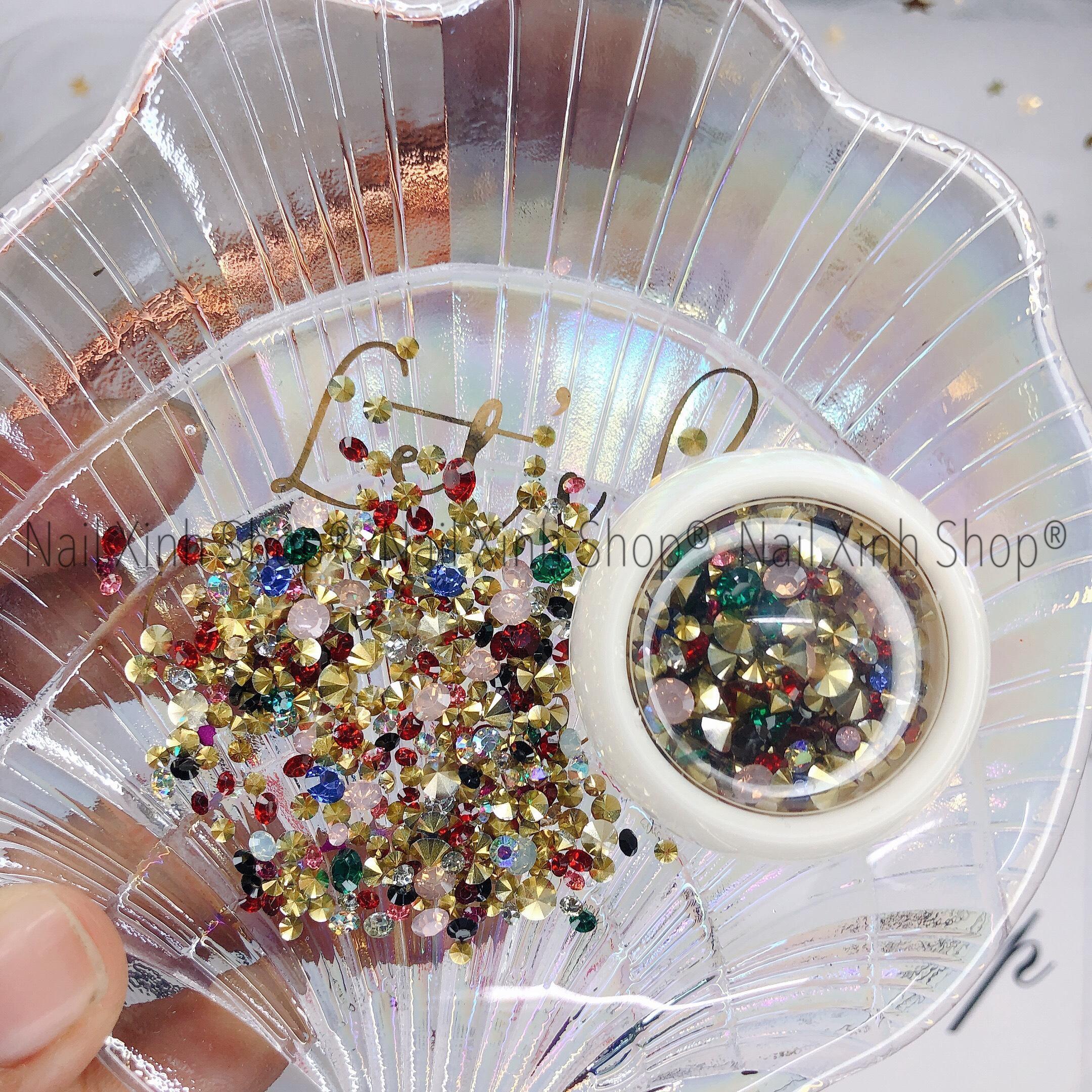 Đá nail mix charm trang trí móng tay nghệ thuật,phụ kiện nail chuyên dụng (hộp tròn trắng mix đá & phụ kiện kim loại)