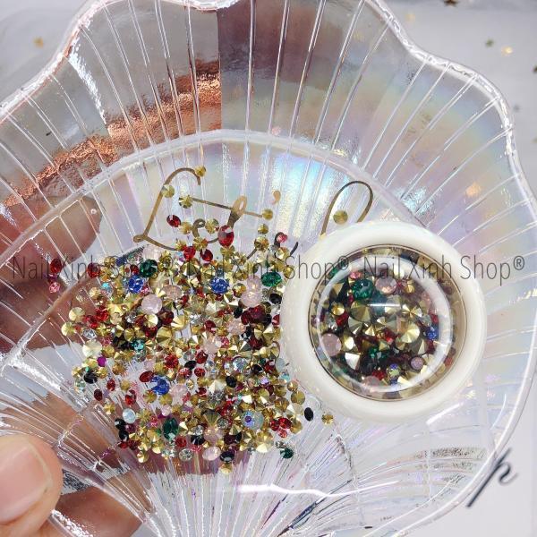 Đá nail mix charm trang trí móng tay nghệ thuật,phụ kiện nail chuyên dụng (hộp tròn trắng mix đá & phụ kiện kim loại) tốt nhất