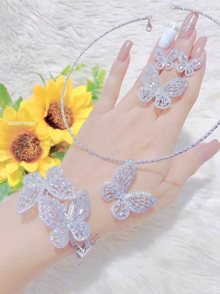 [Siêu khuyến mãi] Bộ trang sức Bướm đính đá mạ vàng 18K cao cấp FREE&EASY, cam kết không đen ,không bay màu, không gây dị ứng, thích hợp đi tiệc, làm quà tặng, dây chuyền nữ ,bông tai nữ,nhẫn nữ,lắc tay nữU.bo189b