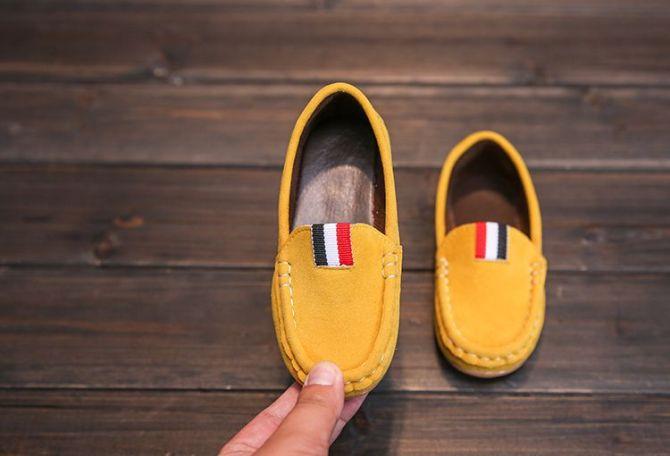 Giày Lười Giày Mọi Cao Cấp Êm Mềm Cho Bé Trai (Vàng, Đỏ, Xanh Rêu, Xám) giá rẻ