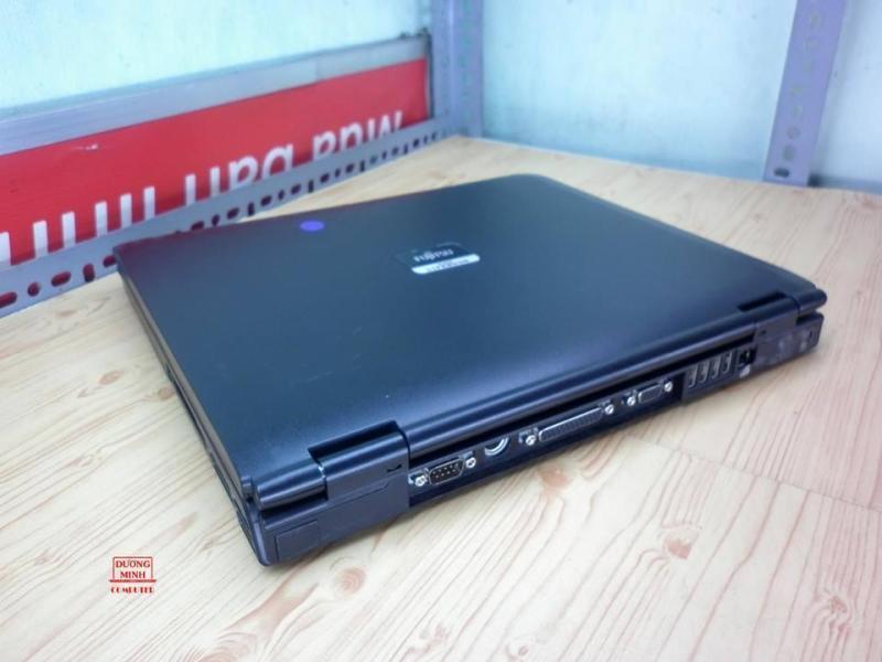 Laptop Fujitsu C8250