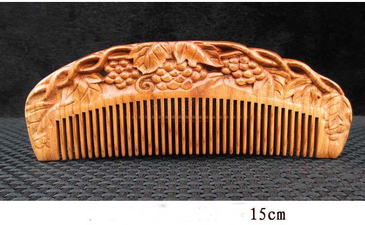 Lược gỗ trạm khắc tinh xảo hình bán nguyệt (kích thước 15cm)