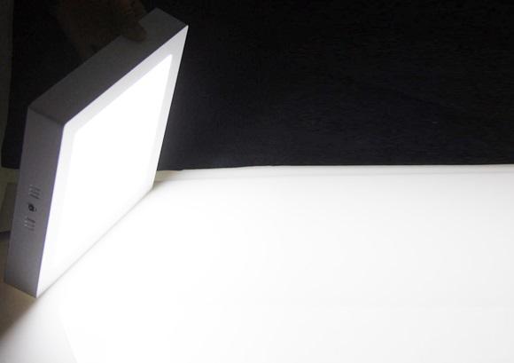 đèn led panel ốp trần vuông nổi góc chiếu 150 độ